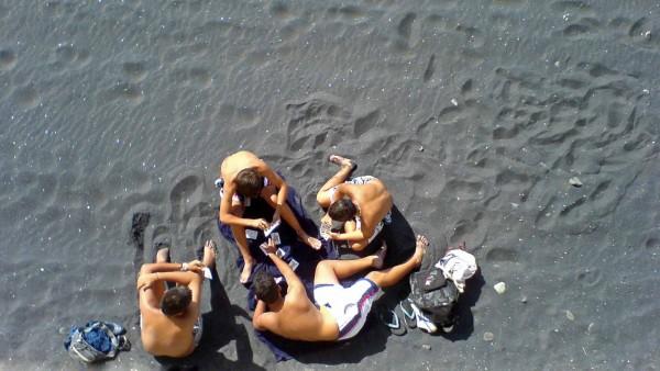 kartenspiel-am-strand - Kopie
